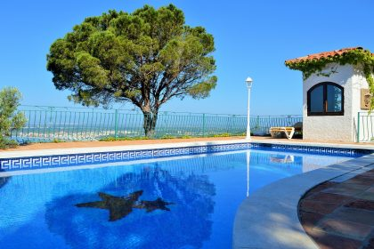 Holiday Pool